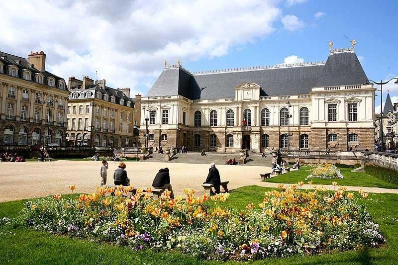TOP những trường đại học ở Pháp nổi tiếng đáng tin cậy nhất