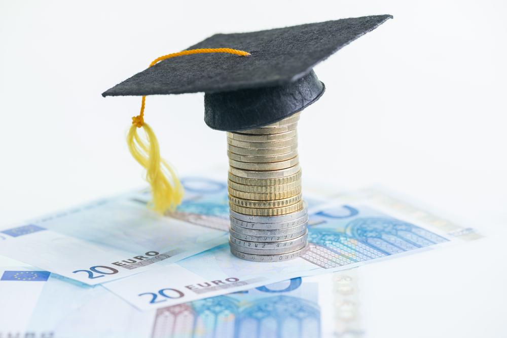 Chi phí du học Pháp cần bao nhiêu tiền