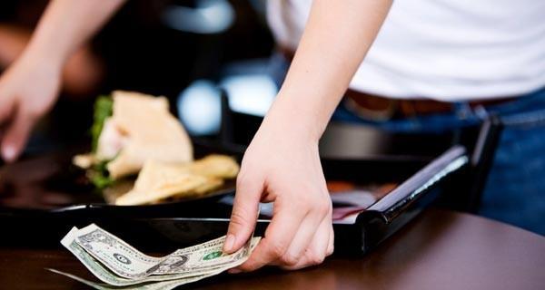 Tiền típ dành cho người phục vụ tại Pháp