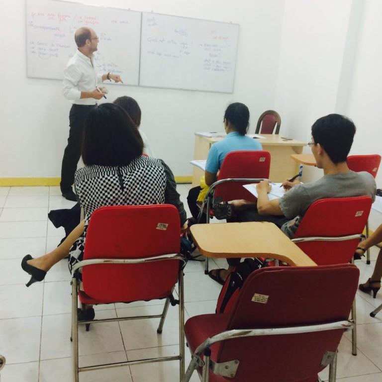 Ngày nào cũng được học với giáo viên bản xứ sẽ giúp cho khả năng giao tiếp bạn tiến bộ cực kì nhanh luôn