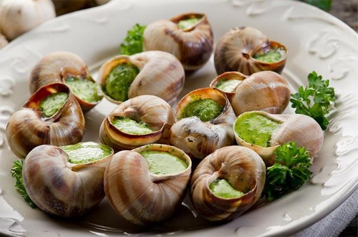 Món ốc sên nướng đặc trưng của Pháp